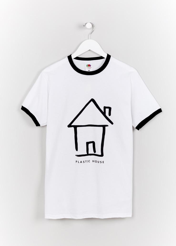 BLACK ON WHITE LOGO TEE - Plastic House